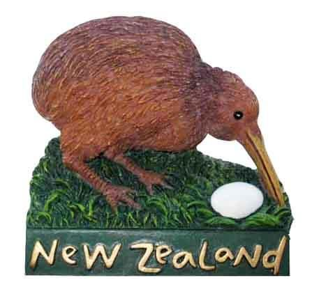 KIWI WITH EGG MAGNET