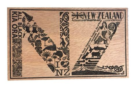POSTCARD WOODEN NZ ICONS