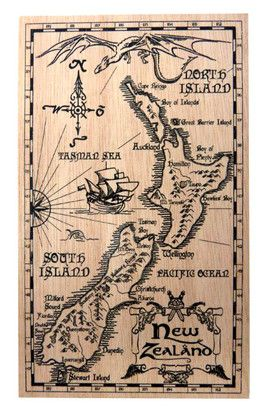 POSTCARD WOODEN MIDDLE EARTH NZ MAP