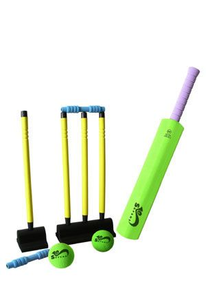 CRICKET SET IN CARRY BAG^