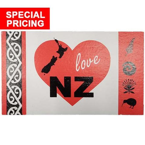 WOODEN POSTCARD I LOVE NZ^