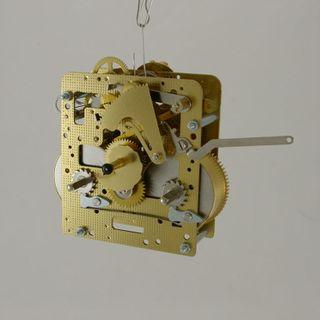 1/2Hr Strike Spring 43cm Pendulum-Rear