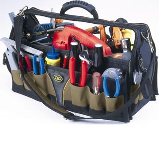 24 pocket18inch soft sided carpenters/tradesman tool bag