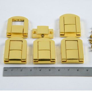 5 x Brass Plated Box Catches 32x25x6mm