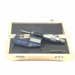 Digital Micrometer 0 - 25mm & 0 - 1 ***