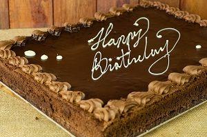 HAPPY BDAY MUD TRAY CAKE HEAVENS KITCHEN x 2kg (4)