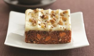 SLEE CARROT CAKE TRAY x 2.25kg (4)