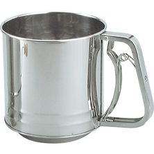SIFTER FLOUR 5CUP S/ST SQUEEZE HNDL