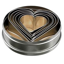 CUTTER SET 6PCE HEARTS 5-9CM TIN,T/KRAFT