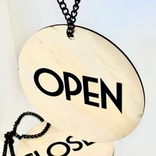 SIGN OPEN/CLOSE PLYWOOD W/BLK CHAIN