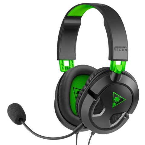 """""""TURTLE BEACH RECON 50X BLACK XB1 IS OFFICIALLY LICENSED FOR XBOX ONE. FEATURES A LIGHTWEIGHT AND COMFORTABLE DESIGN PERFECT FOR LONG GAMING SESSIONS, WITH HIGH-QUALITY 40MM SPEAKERS, A REMOVABLE HIGH-SENSITIVITY MIC, AND INLINE CONTROLS."""""""