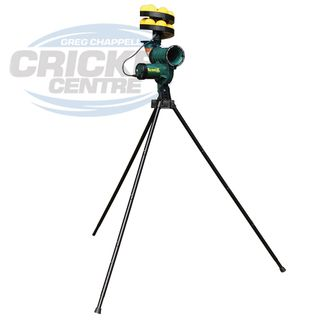 PACEMAN ORIGINAL S3 BATTERY POWERED BOWLING MACHINE WITH 12 BALL FEEDER