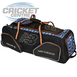 NEW BALANCE GC 1500 CRICKET WHEEL BAG