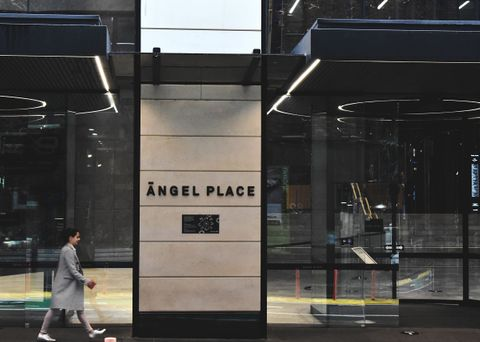 ALLTRIM geometric angles for high walls at Angel Place