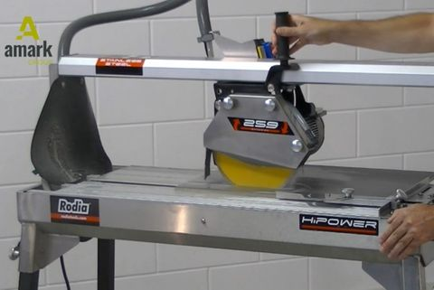 Tile cutting: how to decide if dry cutting or wet cutting is best for your project