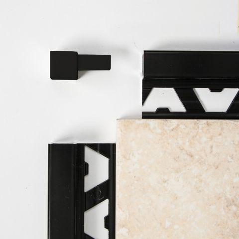 Square Edge Corner - Black