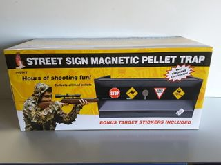 MAGNETIC STREET SIGN TRAP