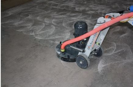 Schwamborn single phase concrete floor grinder for grinding off adhesive and glue before laying