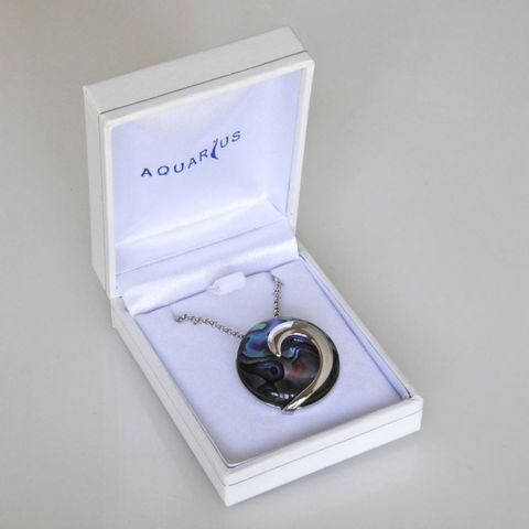 Boxed Paua Gallery Round Wave Overlay Pend