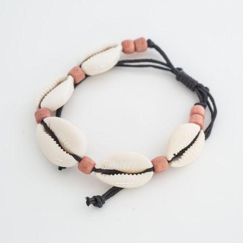 Cowrie Bracelet Light Brown