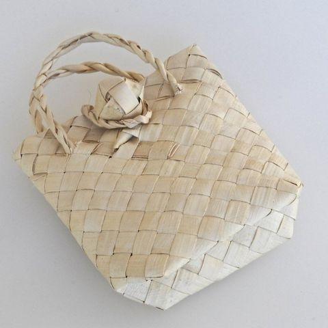 Large Kete (Basket)