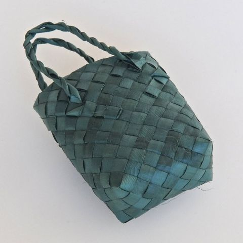 Small Green Kete (Basket)
