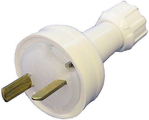 Plug 12-32V 15A