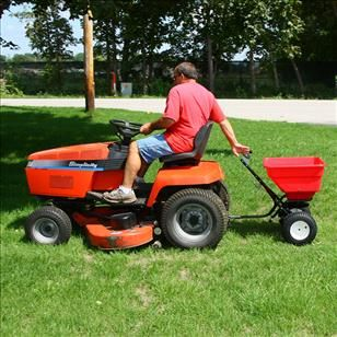 Earthway 2170T, 45kg Tow Spreader