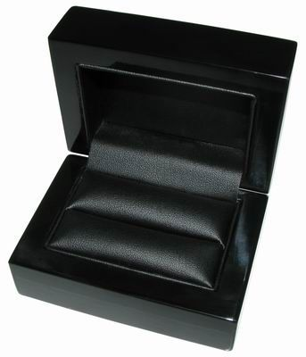 BLACK WOODEN BOXES