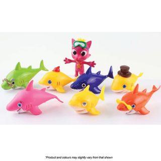 BABY SHARK   PLASTIC FIGURINES   8 PIECE SET