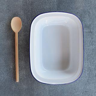 Falcon Enamel 32cm Pie Dish White