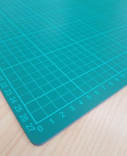 GREEN SELF HEALING CUTTING MAT A4