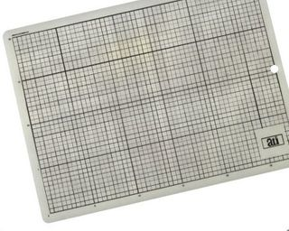 TRANSPARENT CUTTING MAT 600X450X3MM A2