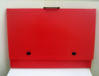 ART FOLDER COR/PL 640X460X30MM A2 RED