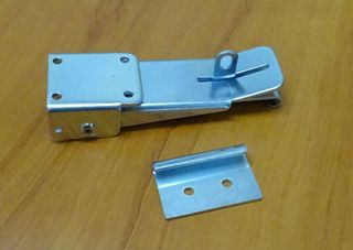 CLAMP CAMPER ROOF SILVER LOCKABLE
