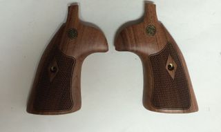 K&L Grip Rosewood Checkered