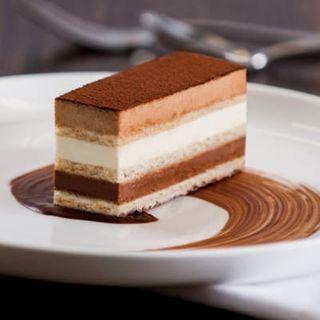 LINDT ST MORITZ DESSERT CAKE 65GM X 12