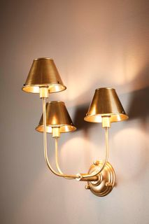 Trilogy 3 arms wall lamp w/shd in brass