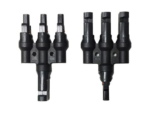 Connector Solar 3 Way Adaptor (set of 2) Max. rated current 30A