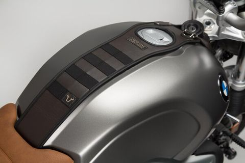 TANK STRAP SW MOTECH LEGEND PERFECT FIT DUE TO ITS BIKE-SPECIFIC DESIGN
