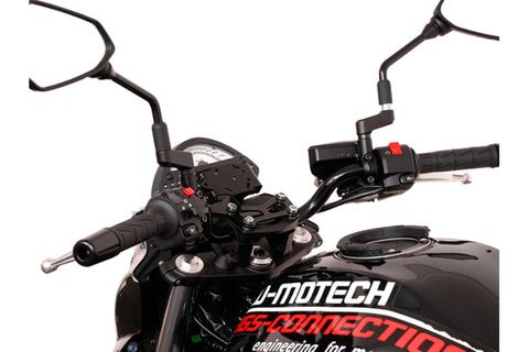 ADAPTER ATTACHES MOTORCYCLE CRADLE TO GARMIN ZUMO 660/665 TO SW MOTECH VIBRATION DAMPED GPS HOLDER