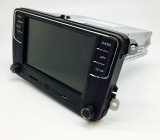 GENUINE VW RCD330 WITH CAR PLAY & ANDROID AUTO