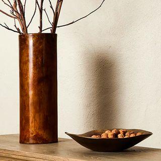 Urns & Vases