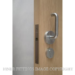 CAVITY SLIDERS CL100A6000 SERIES DOUBLE LEVER HANDLE LOCKS