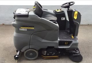 KARCHER BATTERY POWERED RIDE ON SCRUBBER DRYER  B 150 R + D 75
