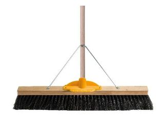 OATES H/FIBRE PLATFORM BROOM TIMBER HANDLE & BRACKET 600mm
