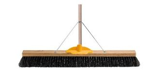 OATES H/FIBRE PLATFORM BROOM TIMBER HANDLE & BRACKET 750mm