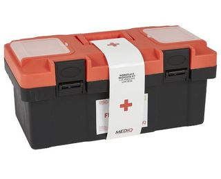 MEDIQ ESSENTIAL FIRST AID KIT WORKPLACE RESPONSE IN PLASTIC TACKLE BOX