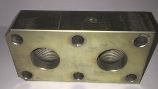 24147 - Port Block Adaptor 3 S03 1 BSP Threaded