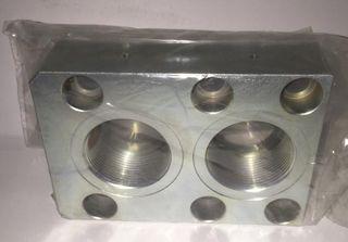 24631 HMB/HDB400 - Port Adaptor Block